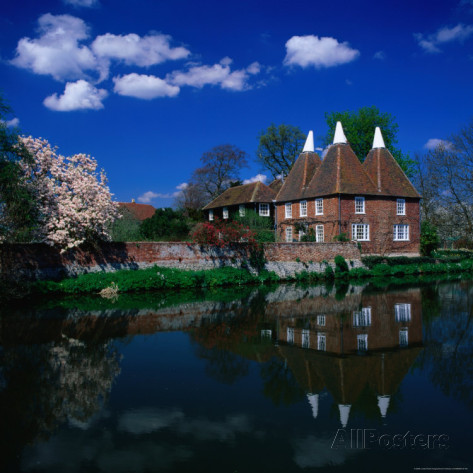 david-tomlinson-oast-houses-on-the-river-medway-yalding-near-maidstone-kent-england