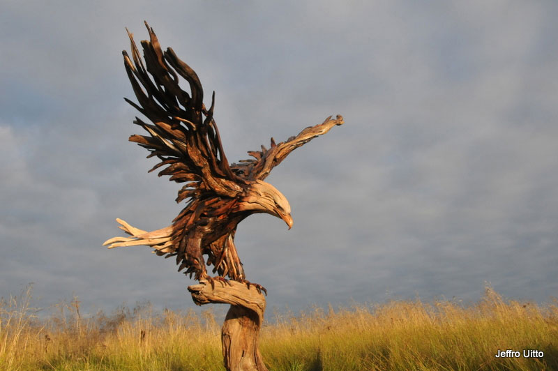 driftwood-sculptures-by-jeffro-uitto-knock-on-wood-10